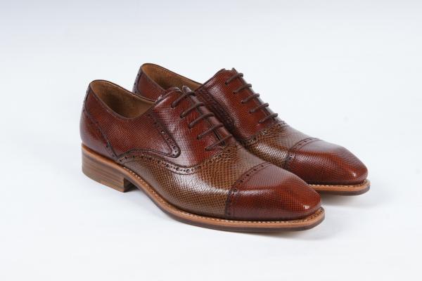首页 产品中心 >>珍稀动物皮  高端男士正装商务皮鞋 固特异手工定制